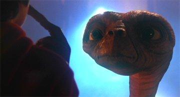 No, si al final voy a ser la cuñada de E.T. ya verás...
